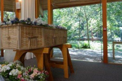 white-rose-modern-funerals-pic1.jpg